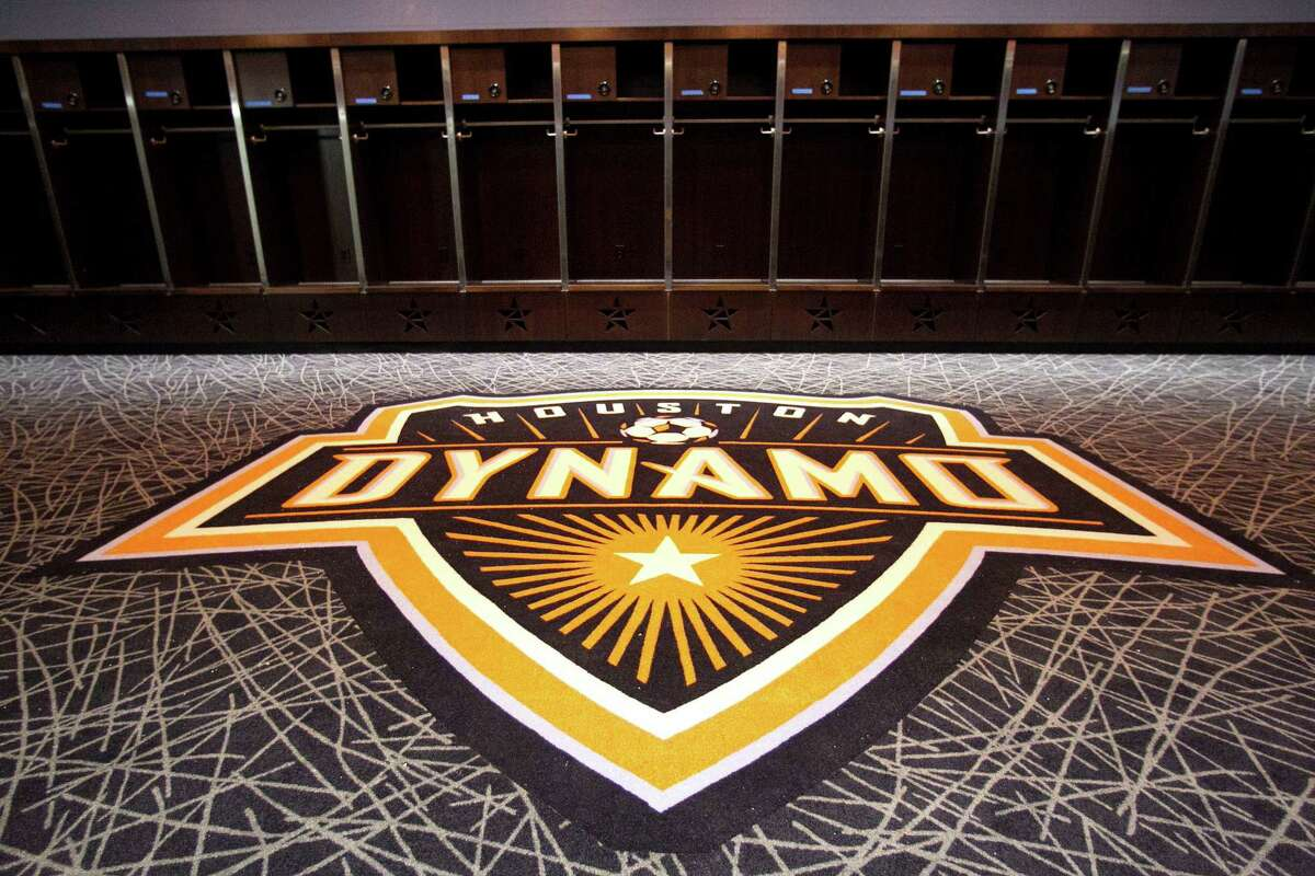Leslie Alexander's attempt to purchase the Dynamo would also include control of BBVA Compass Stadium. ( James Nielsen / Chronicle )