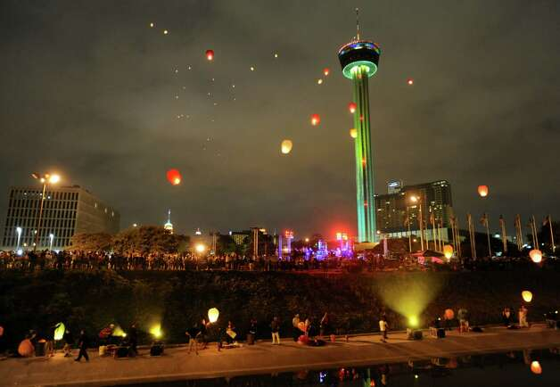 Chinese lanterns light up the sky during the closing ceremonies for Luminaria 2012 in Hemisfair Park on Saturday, May 5, 2012. Photo: BILLY CALZADA,  Billy Calzada / Express-News / SAN ANTONIO EXPRESS-NEWS