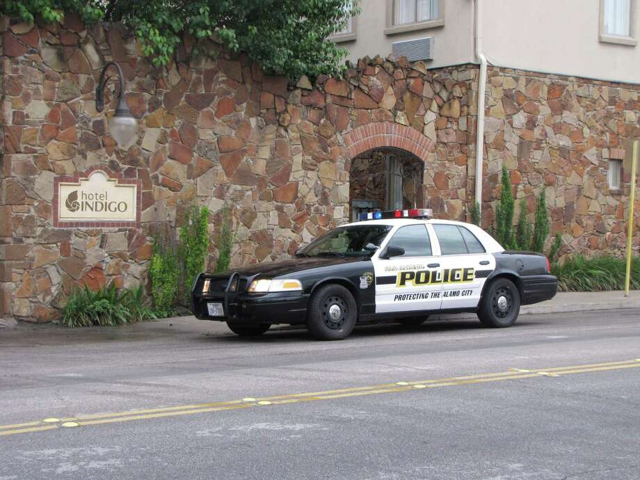 San Antonio police are investigating the death of a 1-month-old boy who was found dead in a downtown hotel early Sunday. Photo: Eva Ruth Moravec; Emoravec@express-news.net