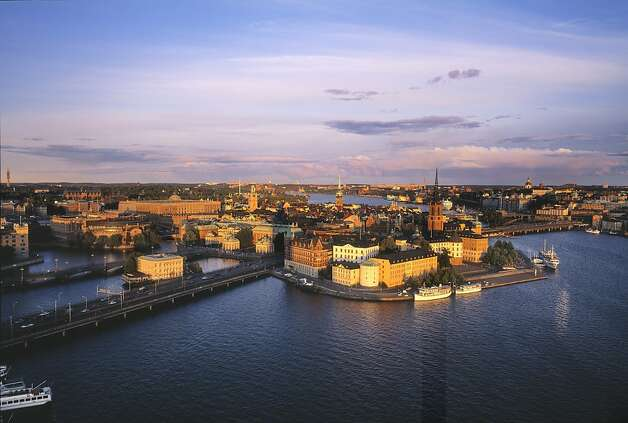 Stockholm boasts stolid stone buildings, blue-gray lake waters, craggy, rocky hillsides and latticework of bridges linking the 14 islands of Stockholm s urban archipelago. Photo: Stockholm Visitors Board
