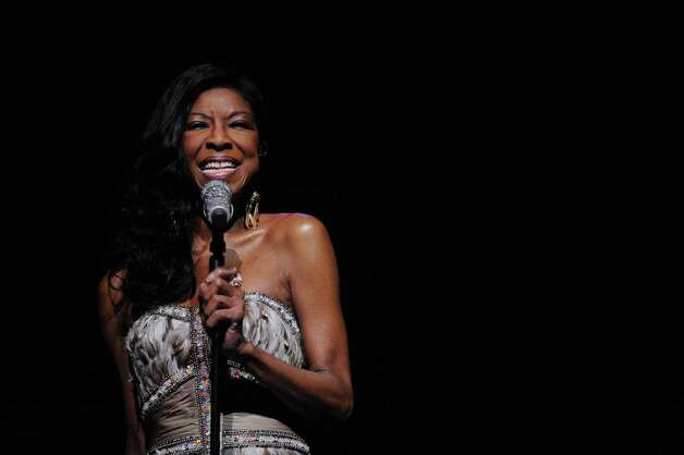 Natalie Cole performs during a benefit for Dana's Angels Research Trust (DART) at the Palace Theatre on Saturday, May 5, 2012. Photo: Lindsay Niegelberg / Stamford Advocate