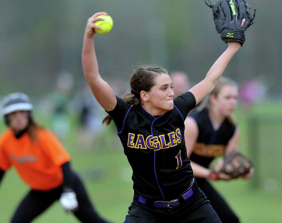 Duanesburg's Dani Hennel (1) winds up the pitch during their softball game against Bethlehem on Thursday, May 3, 2012, at Bethlehem High in Bethlehem, N.Y. (Cindy Schultz / Times Union) Photo: Cindy Schultz /  00017499A