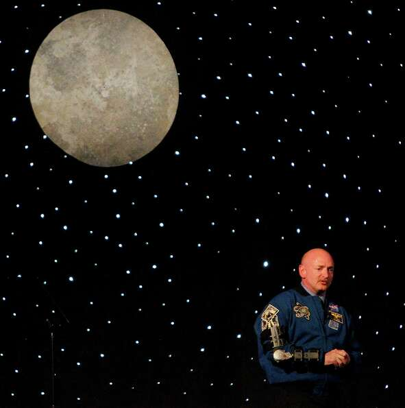 Commander Mark Kelly delivers the keynote speech during the 2012 H-E-B Excellence in Education Award