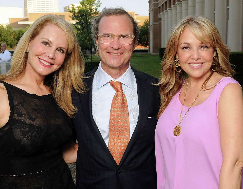From left: Lindsay and Ford Smith with Aida Dieck at the cocktail reception before a preview of the new James Turrell Skyspace at Rice University Friday May 4,2012. (Dave Rossman Photo) Photo: Dave Rossman, For The Chronicle / © 2012 Dave Rossman