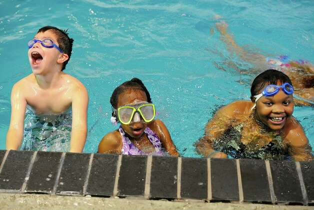 Southeast texas summer camp spots quickly filling up for Harris ymca summer camp