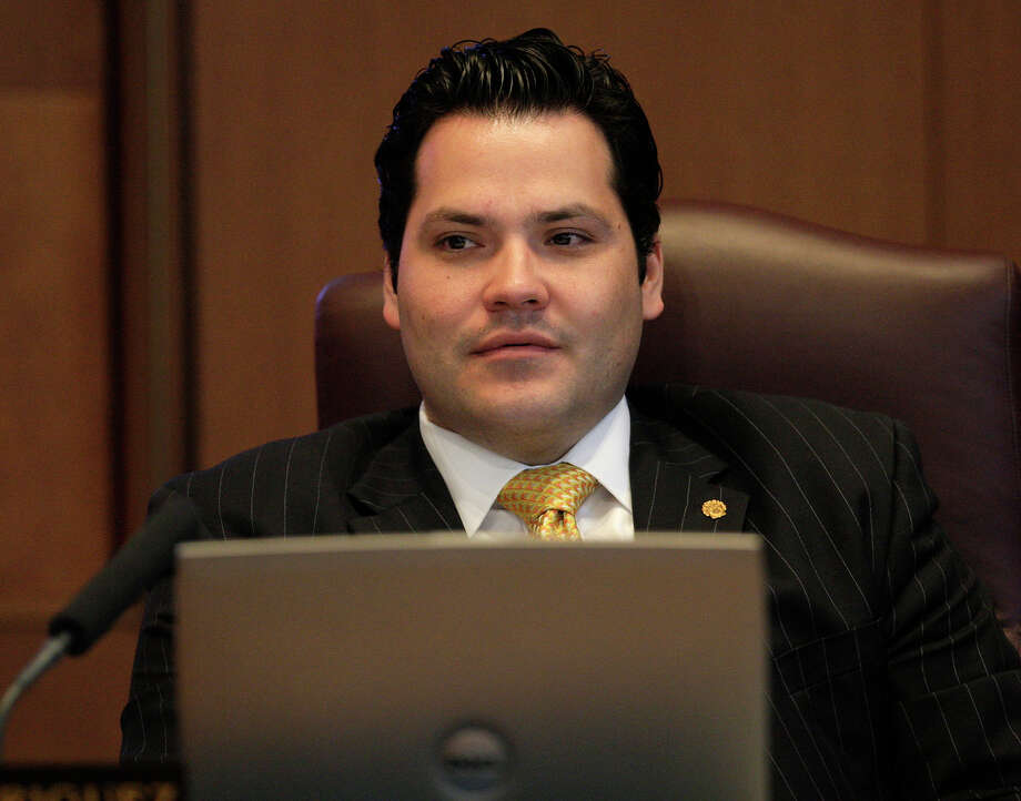 San Antonio City Council member Justin Rodriguez during a meeting at City Hall on Thursday, Feb. 5, 2009. JERRY LARA/glara@express-news.net Photo: JERRY LARA, SAN ANTONIO EXPRESS-NEWS / glara@express-news.net
