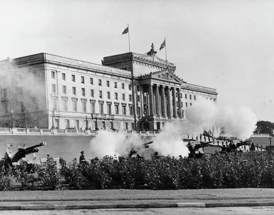 A 21-gun salute sounds the opening of the Northern Ireland parliament at Stormont Castle in Belfast on October 23, 1963. Photo: Fox Photos, Getty Images / Hulton Archive