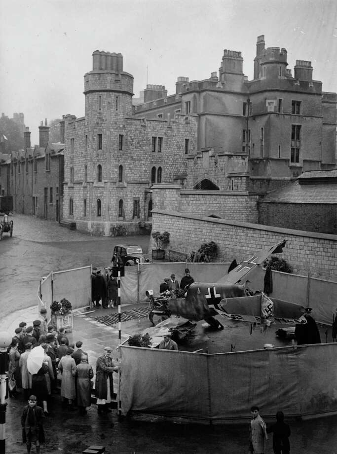 A crashed German Messerschmitt 109 is put on show on October 3, 1940 at Windsor Castle to aid the Boroughs Spitfire Fund. Photo: J. A. Hampton, Getty Images / Hulton Archive