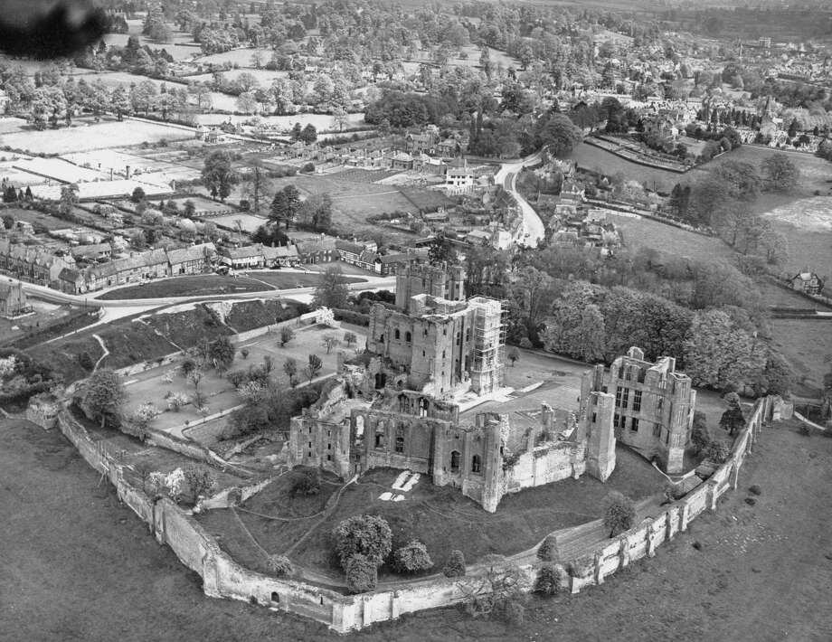 Kenilworth Castle, Warwickshire, U.K. May 1931. Photo: Central Press, Getty Images / 2011 Getty Images