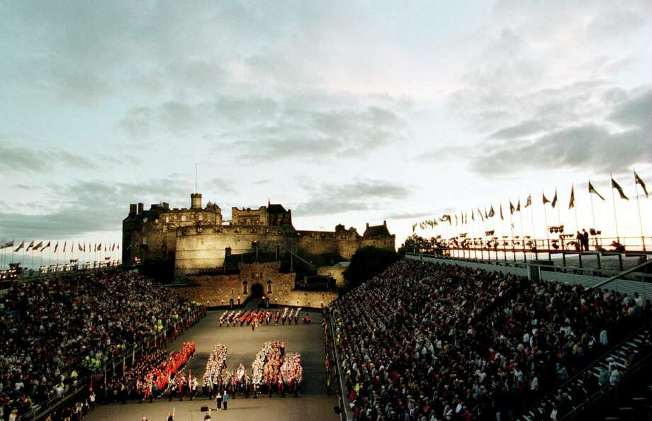 Competing nations line up under Edinburgh Castle during the opening ceremony of the World Youth Commonwealth Games on August 10, 2000, in Edinburgh, Scotland. Photo: Tom Shaw, Getty Images / Getty Images Europe