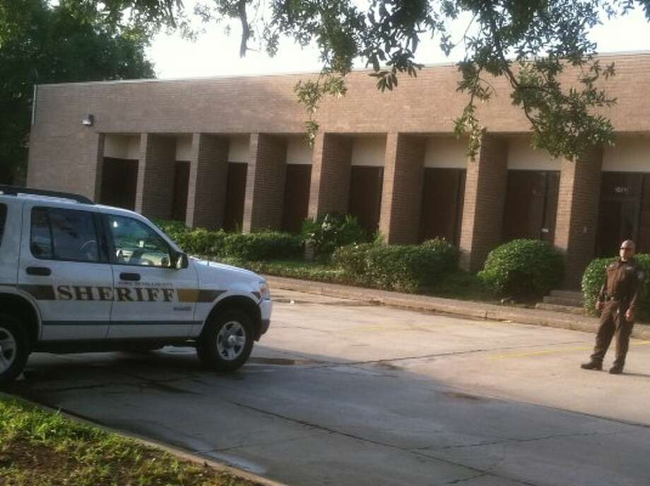Police say the child was found at this building in Fort Bend County.  (Dale Lezon / Chronicle)