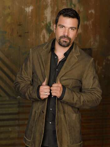 "ABC's ""Desperate Housewives"" star Ricardo Antonio Chavira was born in San Antonio in 1971 and attended the University of the Incarnate Word. Photo: Bob D'Amico, ABC / © 2006 American Broadcasting Companies, Inc. All rights reserved."