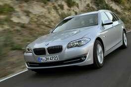 BMW bats .500 with the new fuel-saving technologies in its 2012 528i xDrive sport sedan.