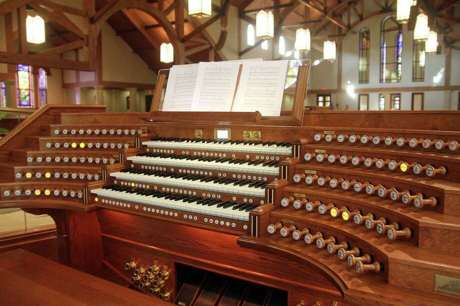 The sanctuary includes a new Monarch organ built by Johannas Organs of Holland. Photo: Pin Lim / Copyright Pin Lim.