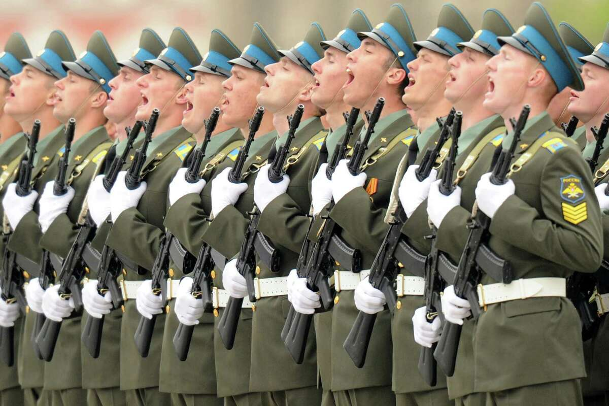 TOPSHOTS Russian soldiers shout