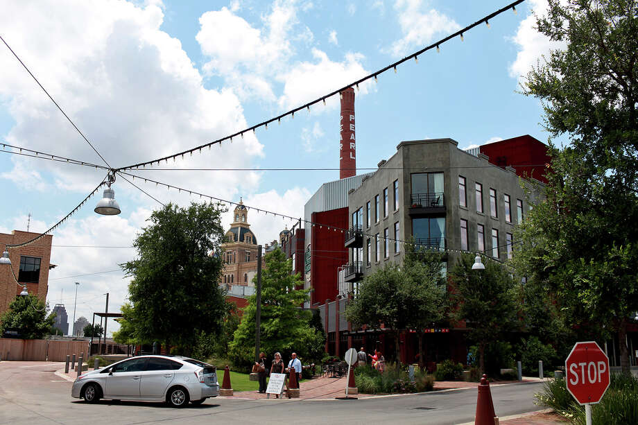 19. San Antonio: Renting is 79 percent of the cost of owning, above the historical level of 67 percent and the tipping point of 68 percent. Photo: Lisa Krantz, SAN ANTONIO EXPRESS-NEWS / SAN ANTONIO EXPRESS-NEWS