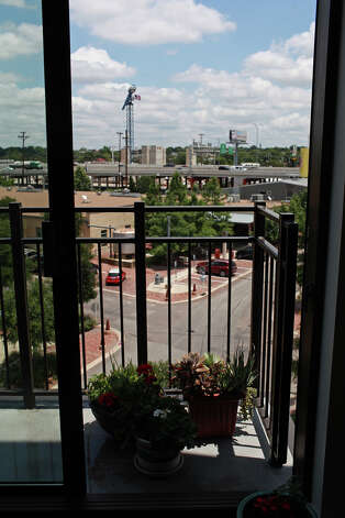 metro - The view from Lynn Knapik's apartment at the Pearl Brewery  on Wednesday, May 9, 2012. Lisa Krantz/San Antonio Express-News Photo: Lisa Krantz, SAN ANTONIO EXPRESS-NEWS / SAN ANTONIO EXPRESS-NEWS