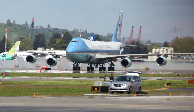 Air Force One taxis with U.S. President Barack Obama at Boeing Field during a visit to Seattle on Thursday. Photo: JOSHUA TRUJILLO / SEATTLEPI.COM
