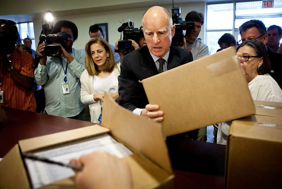 Gov. Jerry Brown and wife Anne deliver petitions to the Sacramento County registrar of voters. Photo: Max Whittaker/Prime, Special To The Chronicle