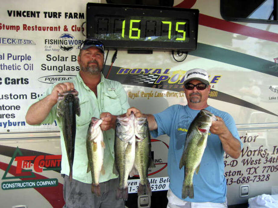 Danny Cross & Jeff Wise culled from 10 keepers to finish in 1st place with 16.75 lbs and earned $2200.00 for their day on the water.