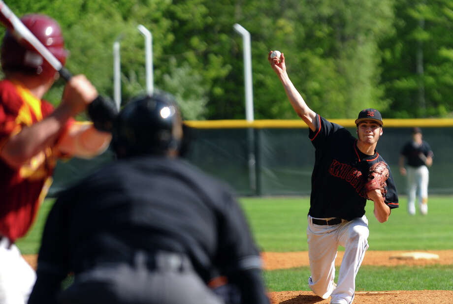 Stamford's Matthew Sciaretta releases a pitch, during baseball action against St. Joseph in Trumbull, Conn. on Friday May 11, 2012. Photo: Christian Abraham / Connecticut Post