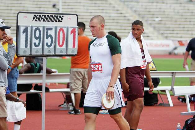 LC-M discus thrower Hayden Reed prepares to compete for the  Class 4A boys state title at the UIL Track & Field State meet at Mike A. Myers Stadium in Austin. May 11, 2012.  Valentino Mauricio/The Enterprise Photo: Valentino Mauricio