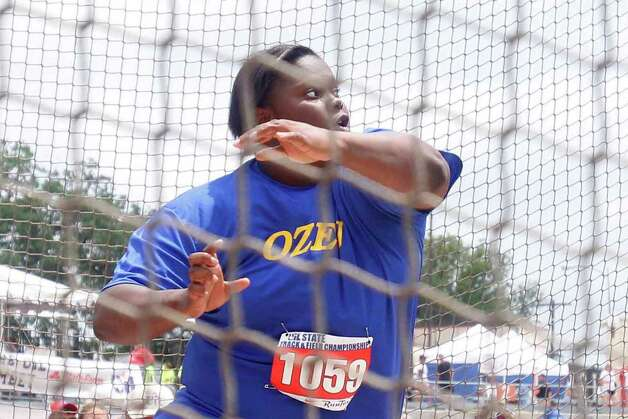 Ozen's Nekia Jones watches her throw in the 4A girls discus, finishing second during the UIL Track & Field State Championships at Mike A. Myers Stadium at the University of Texas at Austin. May 11, 2012.  Valentino Mauricio/The Enterprise Photo: Valentino Mauricio