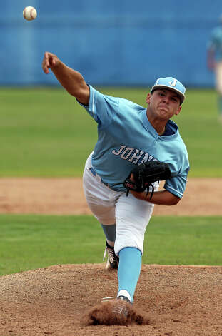 Matt Chapa fires for the Jaguars as  Johnson beats South San 5-4 in the final game of a three game series at South San High School on May 12, 2012.  Tom Reel/ San Antonio Express-News Photo: TOM REEL, Express-News / San Antonio Express-News
