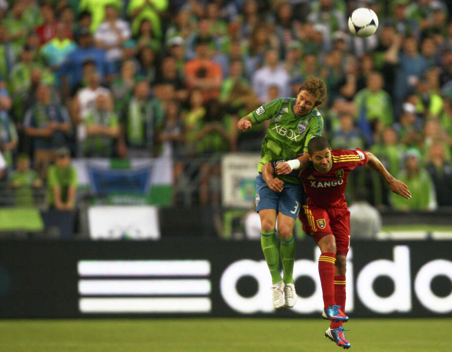 Seattle's Defender Jeff Parke heads the ball during the sounders vs. Real Salt Lake match. Photo: SOFIA JARAMILLO / SEATTLEPI.COM