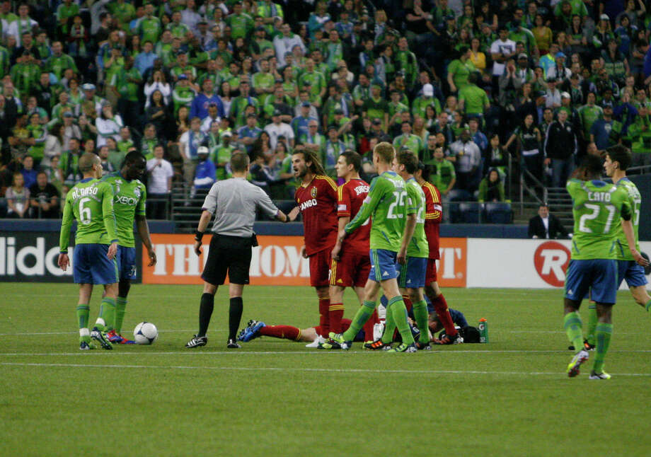 Tension builds on the field as Real Salt Lake's Midfielder Kyle Beckerman confronts a referee during the second half. Photo: SOFIA JARAMILLO / SEATTLEPI.COM