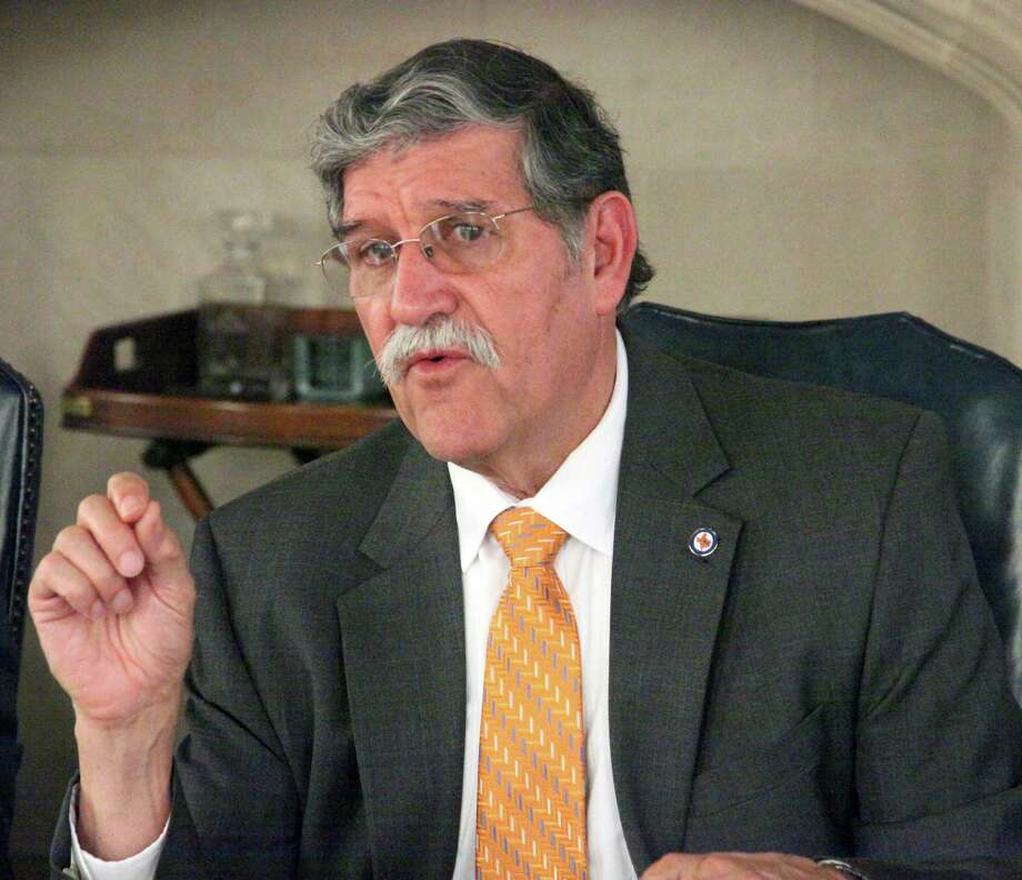 UTSA President Ricardo Romo discuss  UTSA capital drive and balancing tuition increases with accessibility with Saen editorial baord May 14, 2012 Juanito M Garza/San Antonio Express-News. Photo: JUANITO M GARZA, San Antonio Express-News / San Antonio Express-News