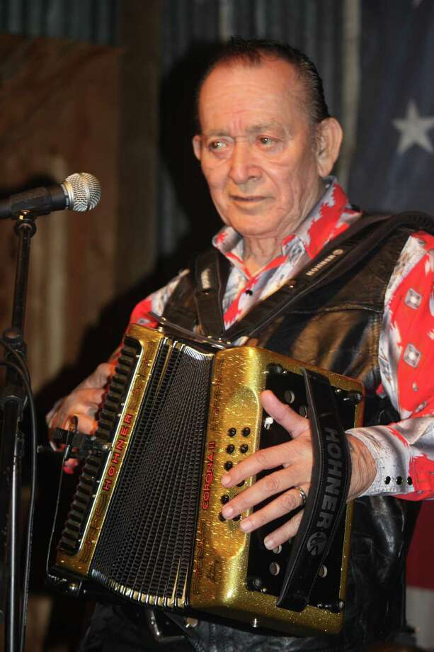 Flaco Jimenez is expected to reunite on stage with sibling Santiago Jimenez Jr. at the Tejano Conjunto Festival. Photo: Express-News File Photo