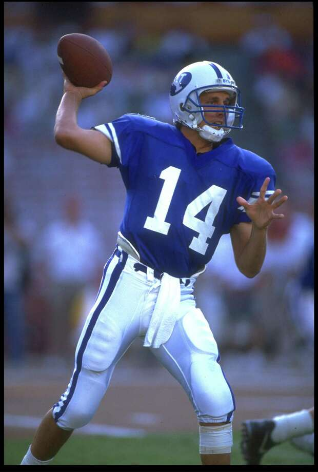 29 Aug 1991: BYU QUARTERBACK TY DETMER SETS TO THROW DURING THEIR 44-28 PIGSKIN CLASSIC LOSS TO FLORIDA STATE AT ANAHEIM STADIUM IN ANAHEIM, CALIFORNIA. Photo: Stephen Dunn, Express-News / Getty Images North America