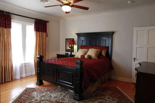 Spaces Tudor Home Draws On British Design San Antonio Express News