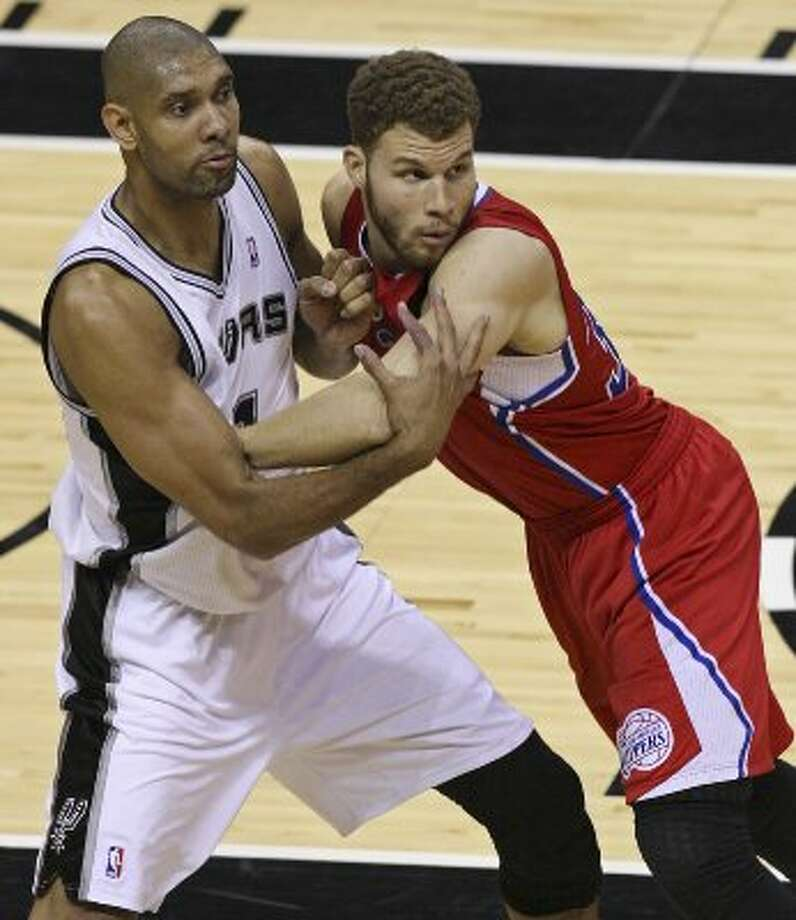 FOR SPORTS - Spurs' Tim Duncan and Clippers' Blake Griffin struggle for position during first half action of Game 1 of the Western Conference semifinals Monday May 15, 2012 at the AT&T Center. (PHOTO BY EDWARD A. ORNELAS/SAN ANTONIO EXPRESS-NEWS) (EDWARD A. ORNELAS / SAN ANTONIO EXPRESS-NEWS)