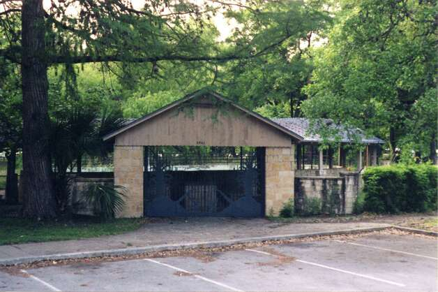 THEN: The City of San Antonio Parks and Recreation, Reptile Gardens, 1991. Submitted by Mark & Monique Sullivan. Photo: COURTESY
