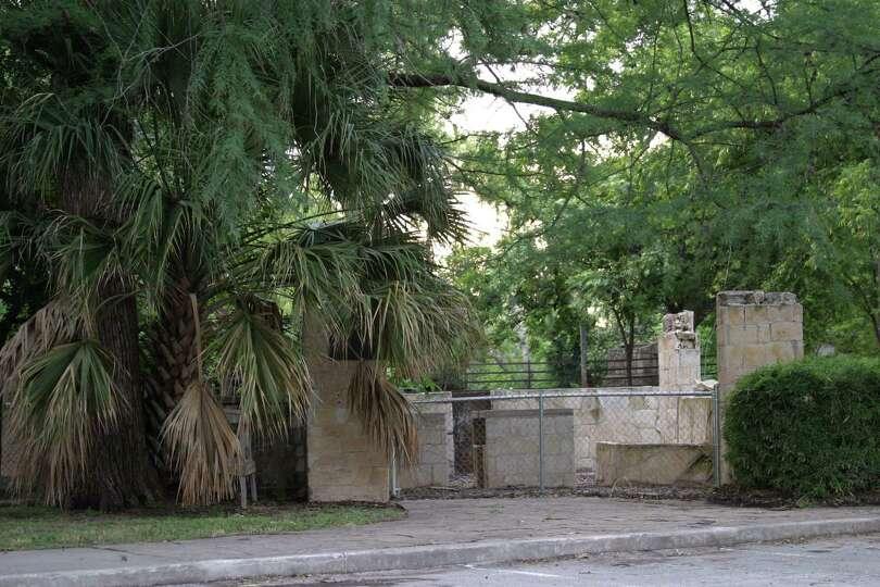 The City of San Antonio Parks and Recreation, Reptile Gardens, 2012. Mark & Monique Sullivan.