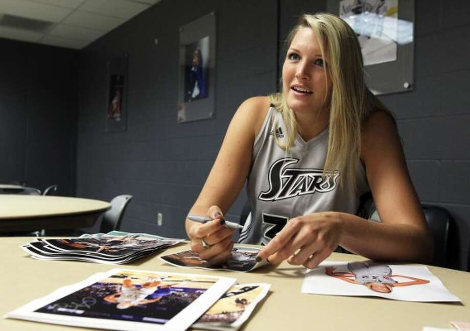 Jayne Appel, shown at Silver Stars media day, is healthy as the WNBA regular season starts for the first time in her career.   Tom Reel / San Antonio Express-News