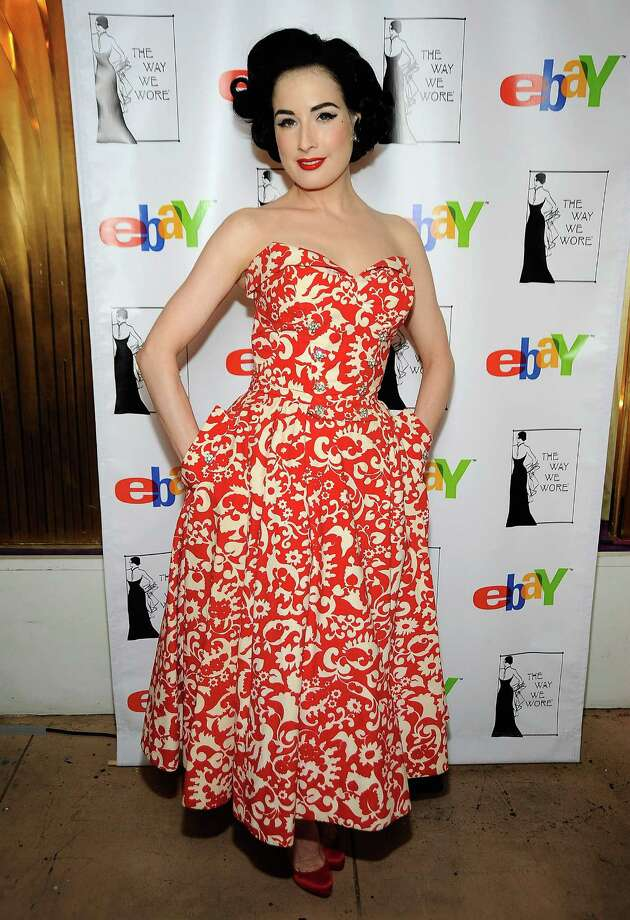 Dita wears a strapless print appropriate for the season at a charity auction she hosted with actress Debi Mazar, on April 22, 2009 in Los Angeles. Photo: Frazer Harrison, Getty Images / 2009 Getty Images