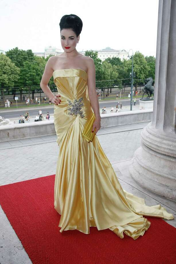 Dita positively glows in Elie Saab couture at the amfAR Gala Vienna on July 17, 2010 in Vienna, Austria. Photo: Florian Seefried, Getty Images / 2010 Florian Seefried