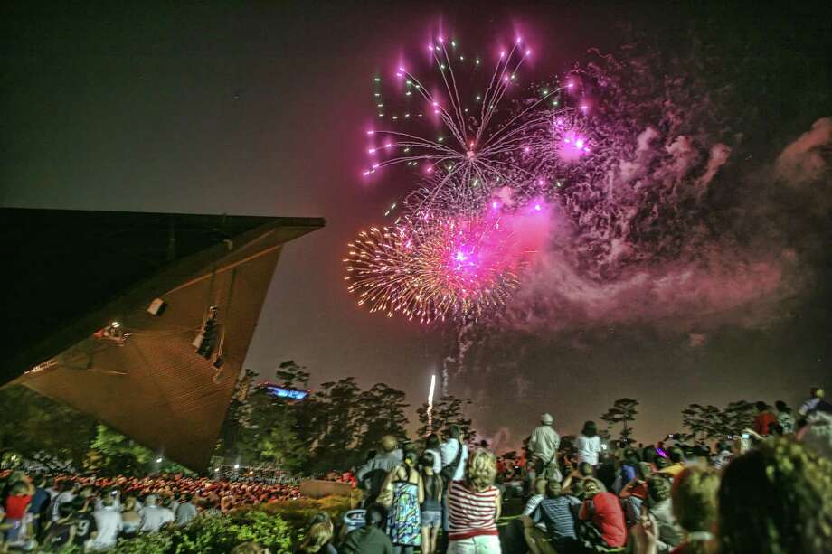 The Houston Symphony's Fourth of July concert at Miller Outdoor Theatre concludes with fireworks. Photo: Leroy Gibbins