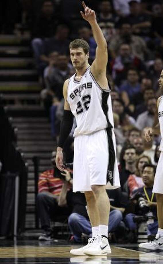 San Antonio Spurs' Tiago Splitter (22) gestures during the first half of game two of the Western Conference semifinals at AT&T Center, Thursday, May 17, 2012.  Jerry Lara/San Antonio Express-News (San Antonio Express-News)