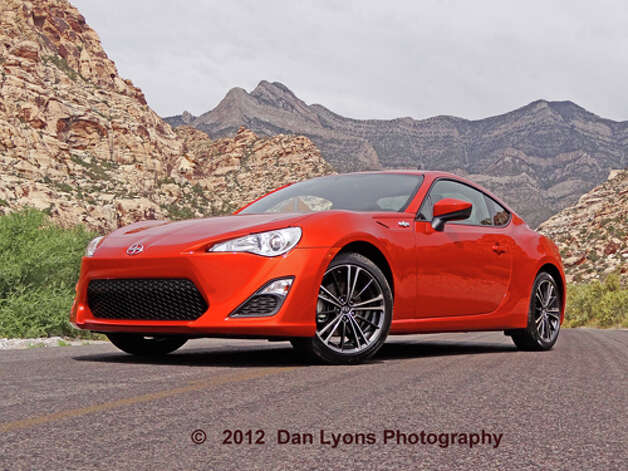 2013 Scion FR-S (photo by Dan Lyons) / copyright: Dan Lyons - 2012