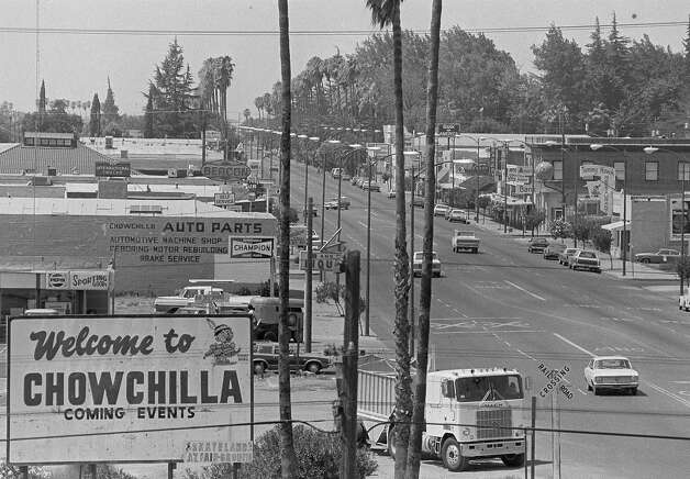 FILE - In this July 28, 1976 file photo, Robertson Blvd. is seen in Chowchilla, Calif., main business district, Ed Ray, the school bus driver hailed as a hero for helping 26 students escape after three men kidnapped the group and buried the entire bus underground in 1976 died on Thursday, May 17, 2012. He was 91.  (AP Photo/John Storey) Photo: John Storey, Associated Press