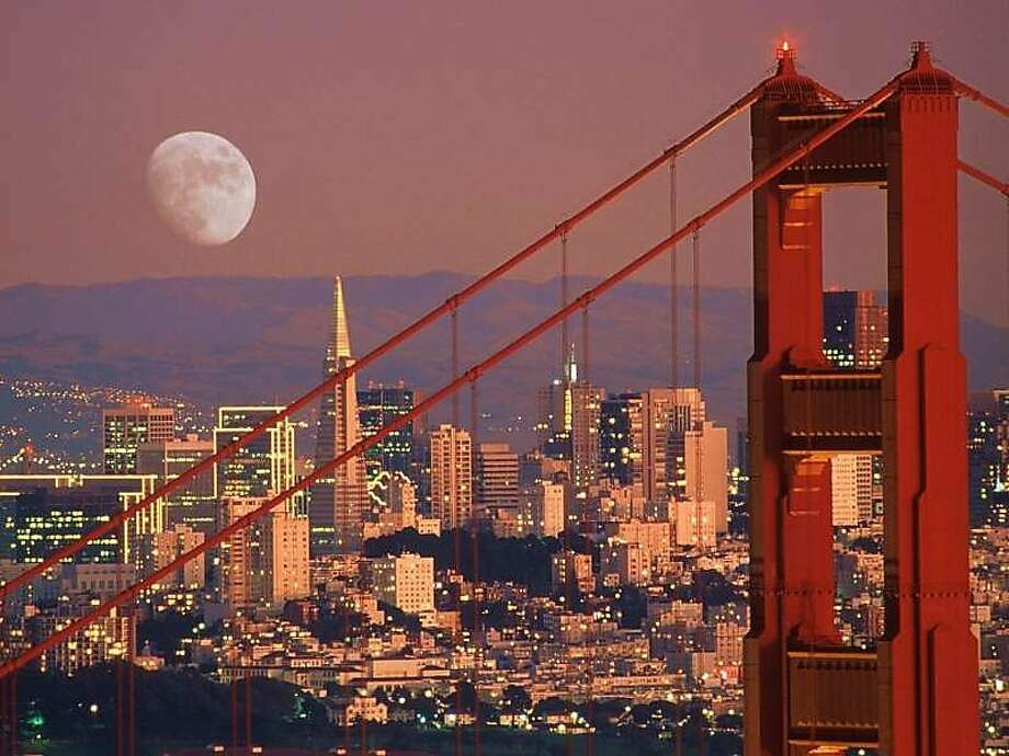 Full moon over the Golden Gate Bridge. Photo: Jackie Berry