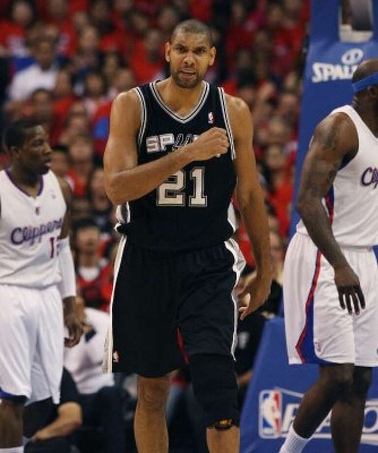 Spurs' Tim Duncan (21) reacts during the first half against the Los Angeles Clippers in the first half of game three of the Western Conference semifinals at the Staples Center in Los Angeles on Saturday, May 19, 2012.   Kin Man Hui/Express-News (Kin Man Hui / SAN ANTONIO EXPRESS-NEWS)