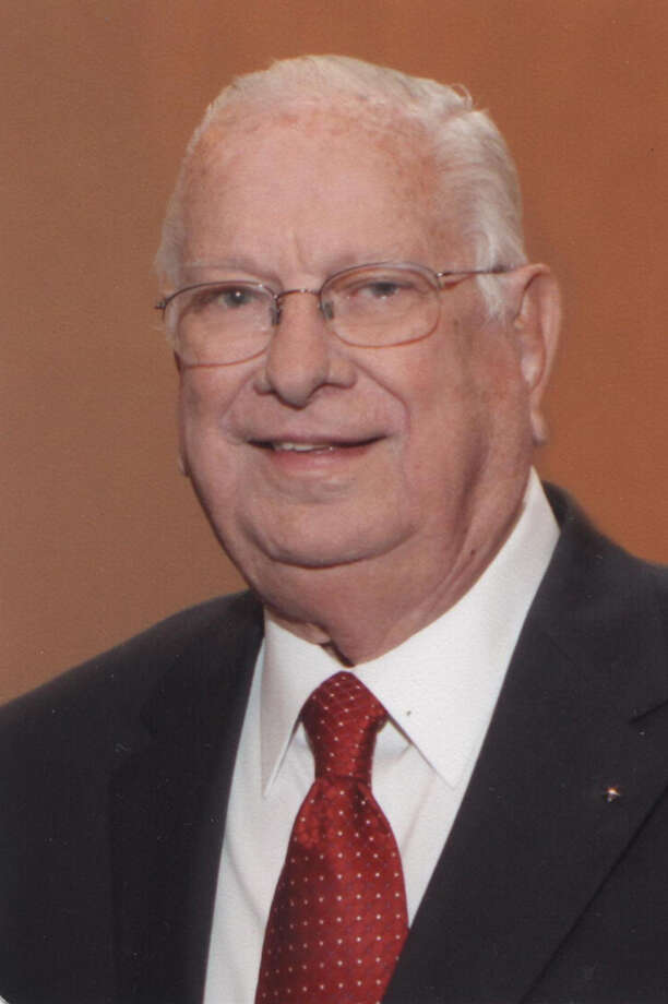 William Howell Huddleston, Jr. was born on July 22nd, 1922 and passed away on May 14th, 2012. He was extremely proud of being a Texan and more particularly, a native of San Antonio.