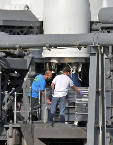 SpaceX's Falcon 9 rocket on May 19, 2012 remains on launch pad as ...