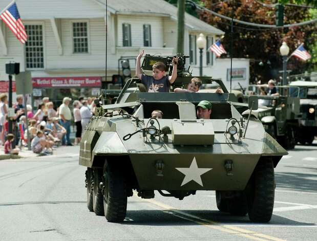 The Bethel Memorial Day parade on Greenwood Avenue. Sunday, May 20, 2012 Photo: Scott Mullin / The News-Times Freelance
