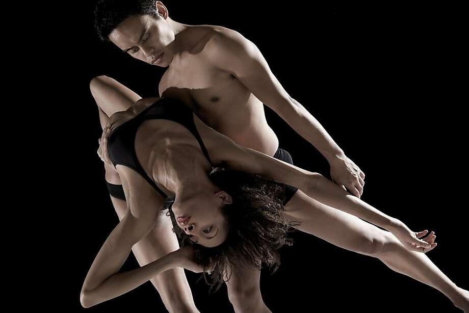 Armitage Dance  Kristina Bethel-Blunt and Leonides D. Arpon  Photo by Julieta Cervantes Photo: Julieta Cervantes